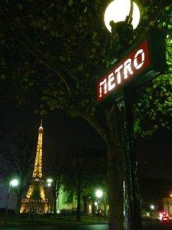 Hotel de Sers : Trocadero Paris Metro Stop, next stop from Alma-Marceau