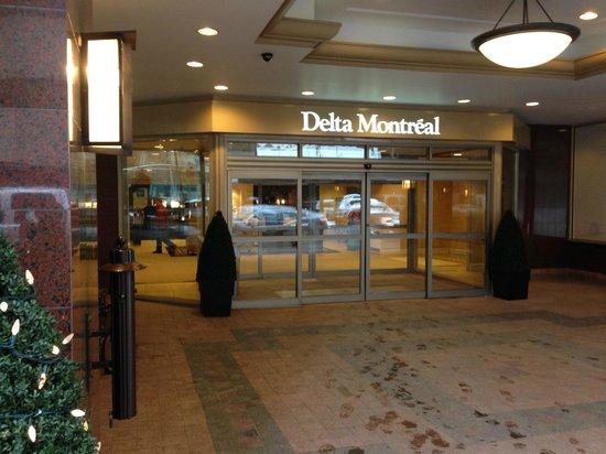 Delta Hotels Montreal: Entrance