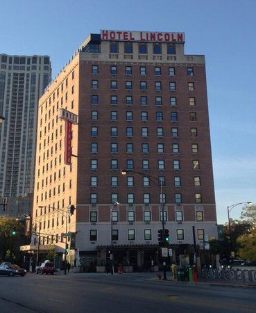 Hotel Lincoln, a Joie de Vivre Hotel: Hotel Lincoln from Clark Street