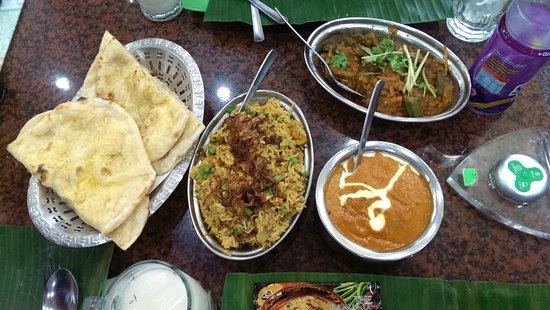 The Banana Leaf Apolo : Naan, Rice, Butter Chicken, A vegetarian dish (lovely but unsure of name)