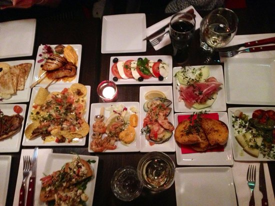 Aqui Tapas Bar: Fantastisk mat! Alt vi bestilte var bra!