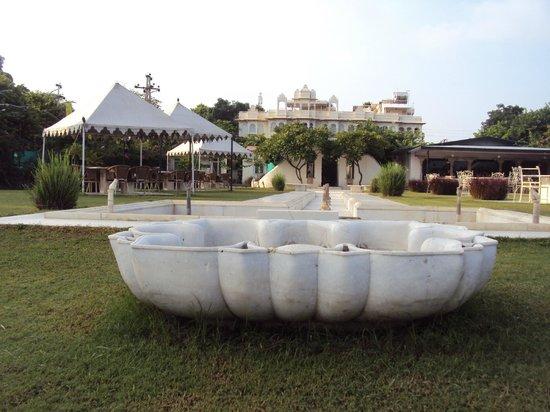Rampratap Palace: Hotel & grounds