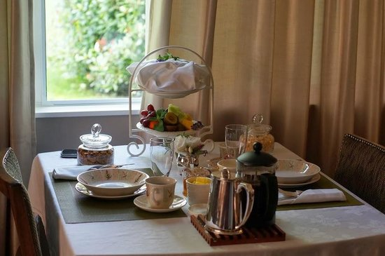 Hillsfield House Bed and Breakfast Marlborough: Breakfast delivered to room