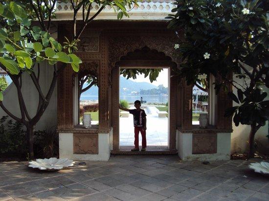 Rampratap Palace: Enterance.....