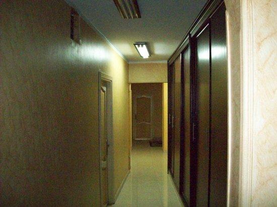Isis Hotel 2: hallway