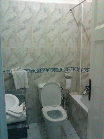 Royal Hotel Rabat: Туалет