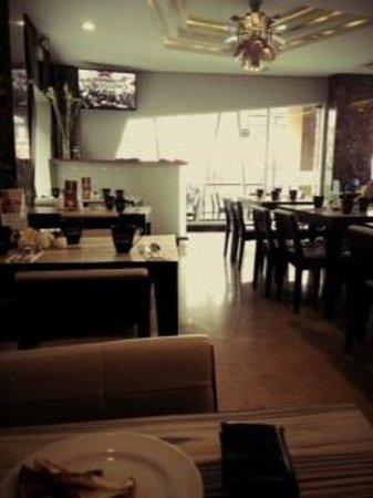 Hotel Neo Kuta Jelantik : Hotel Cafe