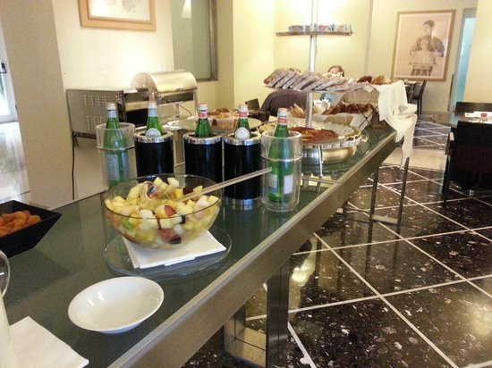 Fortyseven Hotel Rome : Another view of the breakfast area