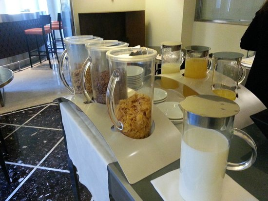 Fortyseven Hotel Rome : Breakfast buffet