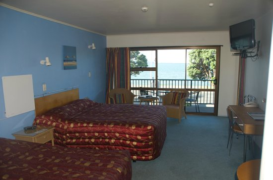 Bay Sands Seafront Studios: LARGE ROOMS