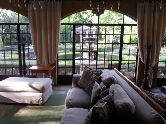 Secret Place: veranda