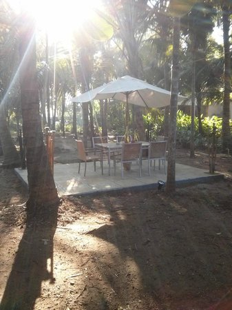 Mango Beach House - Kihim: Outdoor seating