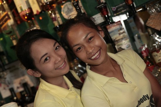 The Pirates Pub: Friendly and Attractive Staff!
