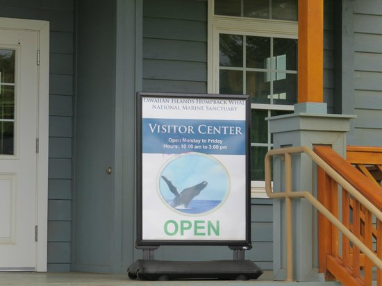Hawaiian Islands Humpback Whale Sanctuary Visitor Center: Welcome!
