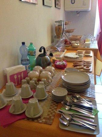 B&B Le Camere di Livia: Buffet a colazione