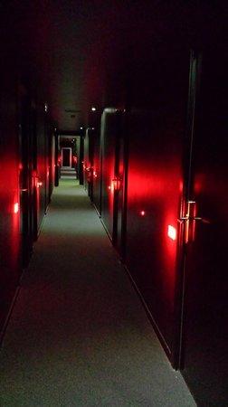 Hotel Acta Mimic : pasillo habitacions
