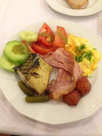 Gromada Hotel : Ricca colazione a buffet, un pasto completo