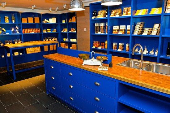 Waterfront Kitchen: Shop