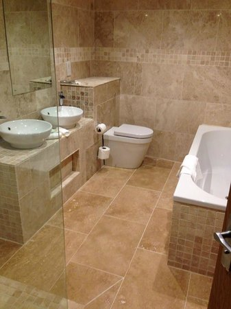 Ox Pasture Hall Hotel: bathroom