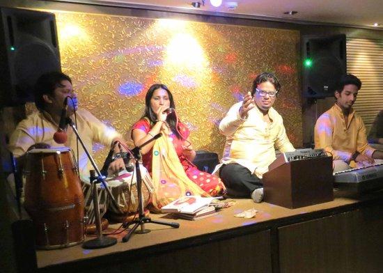 Hotel Shanti Palace (Mahipalpur): the wonderful band in the Tripti Restaurant