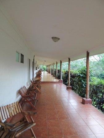 Hacienda Guachipelin: Véranda