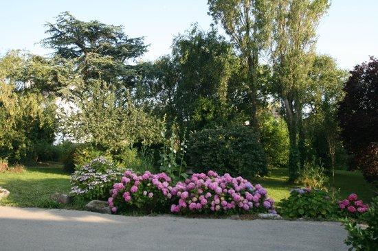 L'Auberge du Cabestan : Jardin de l'hôtel