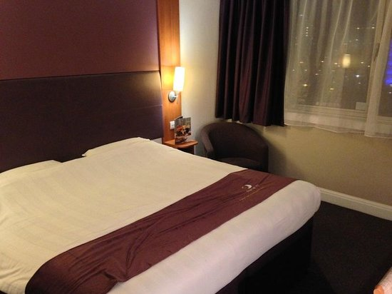 Premier Inn Newcastle City Centre (New Bridge Street) Hotel: Bedroom area
