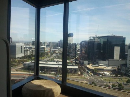 Hilton Melbourne South Wharf: lounge view