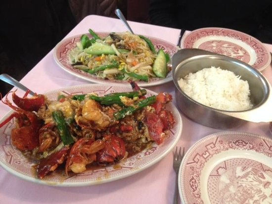 Hop Lee: Steamed rice and stir fried mixed veggies