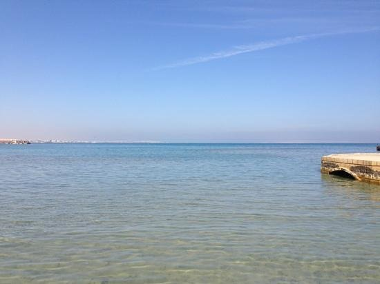SENTIDO Mamlouk Palace Resort : clear water on the pier