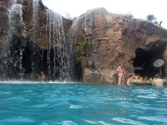Grand Wailea - A Waldorf Astoria Resort: swim up bar