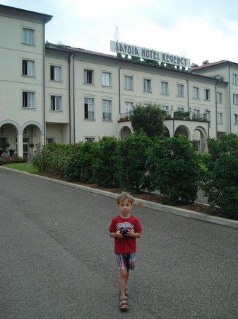 Savoia Hotel Regency : Вид с парковки на отель