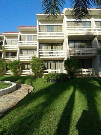 Sunset Royal Beach Resort: Nuestra habitacion.. la del centro planta baja!!