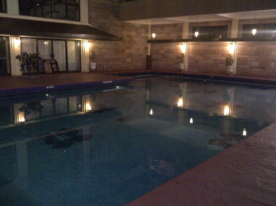 Fariyas Resort Lonavala: indoor pool