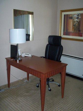 Holiday Inn Cambridge: Desk