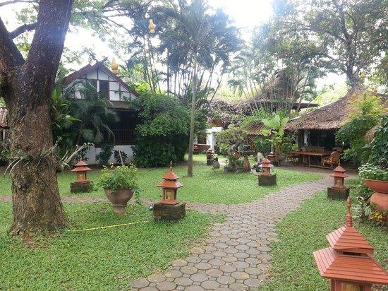 Secret Garden Chiang Mai: gardens