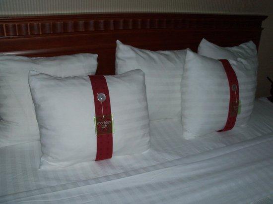 Holiday Inn Cambridge: Pillow Selection