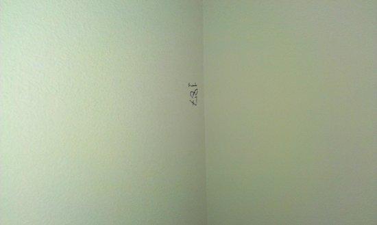 La Quinta Inn & Suites Oklahoma City -Yukon : Writing on the wall....