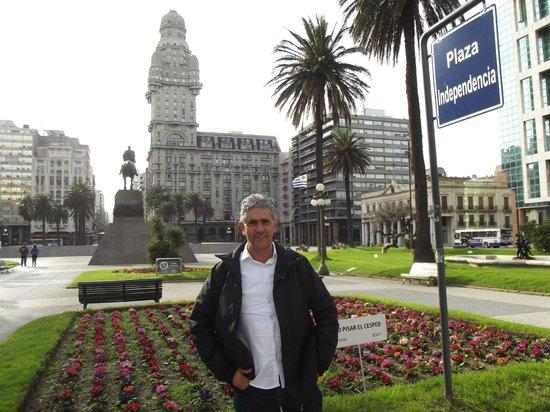 Esplendor Hotel Cervantes: Praça Independência