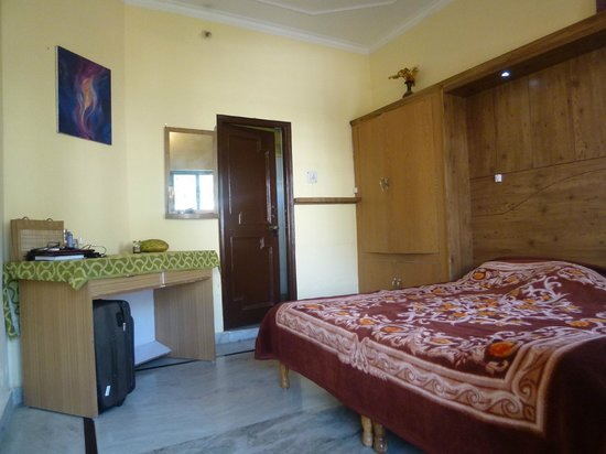 Ayushman Ayurveda Cottage: Room