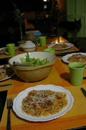 Shanti Nilayam (peaceful house) Guesthouse: Pasta dinner