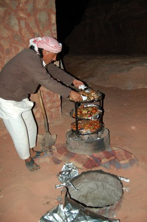 Wadi Rum Travel Camp: Traditional meal in the camp