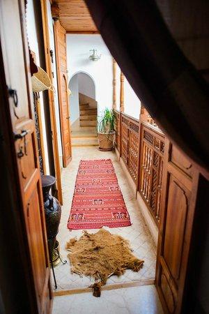 Riad Slawi: Hallway.