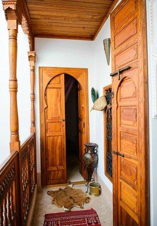 Riad Slawi : Hallway.