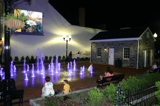 Fairfield Inn & Suites Winchester: Splash about in Winchester