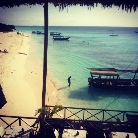 The Z Hotel Zanzibar: View on the beach from the hotel restaurant
