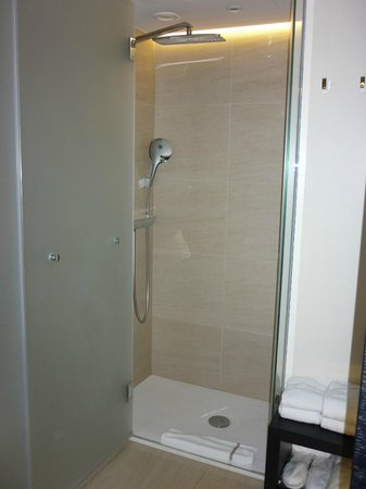 The Hotel - Brussels: douche