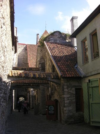 St. Catherine's Passage: Workshops To The Right