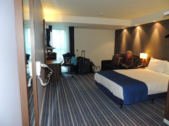 Holiday Inn Express London - Heathrow T5: Ample room