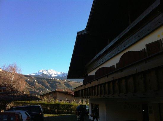 Hotel Laurin: L'hotel e la vista a ovest/nord